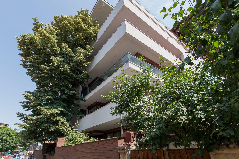 Apartment luminos si spatios – terasa circulara